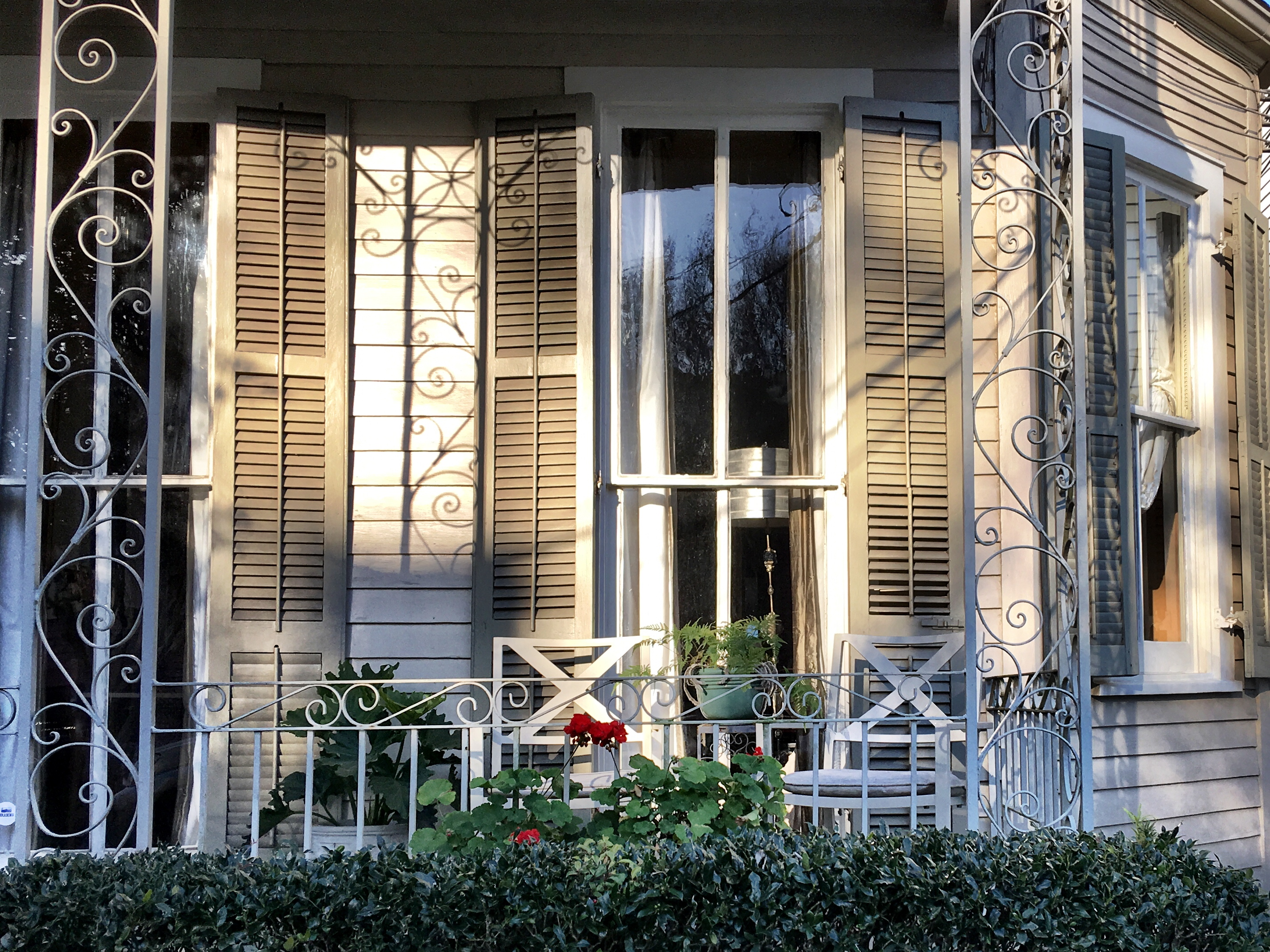 Front Porches, Chairs and Neighborhoods | pauses&clicks